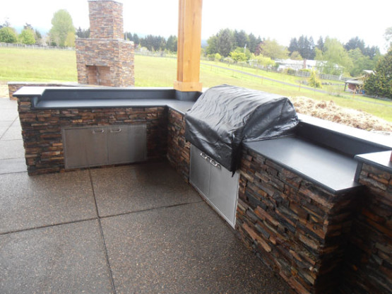 Outside Countertop and Grill