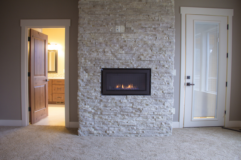 In wall natural gas fireplace